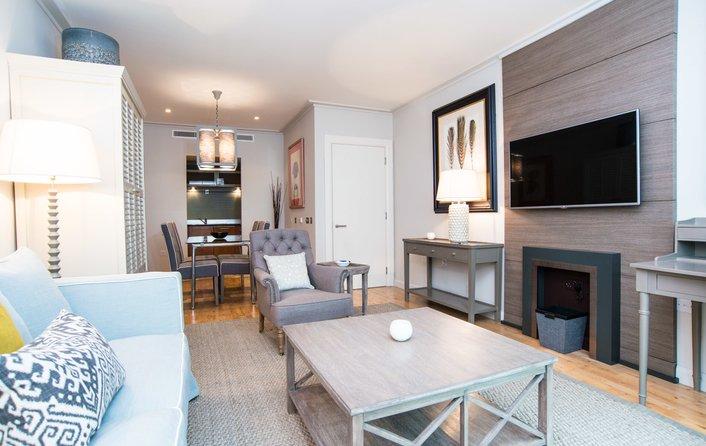 Discovery Dock Apartments, Canary Wharf E14